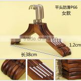 China factory solid wood tie and belt scarf hanger redwood pants hanger black laundry wooden shirts hanger