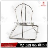 Wire bbq roaster with chicken rack