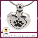 New Arrivals Pet Memorial Funeral Casket Jewelry Stainless Steel Heart Cremation Urn Pendant with Paw Printed Keepsake Jewelry
