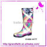 Beautiful Hot Sale fashionable ladies plastic rain boots
