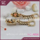 gold metal hanging ornament, metal bag accessory, Guangzhou metal hardware for handbag accessory
