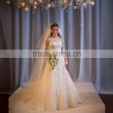 2016 High quality ivory red beautiful lace luxurious wedding dress with bridal veil