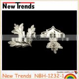 Wholesale alloy antique maple leaf lapel brooch pins