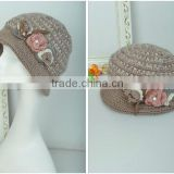 Pattern POM Knitted hats with flower for children