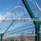 China directly wholesale galvanized and PVC Coated welded wire mesh fence with Y post with Razor Barbed Wire on top