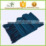 Latest gentlemen design hot sale winter crochet fashion warm knitted men scarves