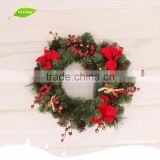 GNW CHWR-1605032 Wholesale Factory Supplying Artificial Xmas Wreath with Cherry Pine cone ball