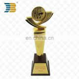 wholesale custom gold plated with wooden bottom awards trophy