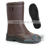 Safety Boots is made of cowhide leather with non-slip and anti-abrasion outsole for Army