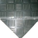Diamond rubber floor mat