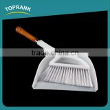 Wholesale Household Wooden Handle Bed Sofa Tabel Dusting Cleaning Brush Sweeping Soft Plastic Mini Broom Brush