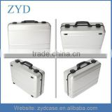 6 LED Lights And 2 Expandable Trays Aluminum Suitcase For Professional Makeup ZYD-HZ121504