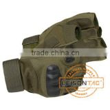 Tactical Gloves adopts excellent fiber and leather material being suitable for dangerous sports