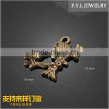 SH4949-1068 retail zinc alloy plating bronze tree house pendant DIY retro jewelry accessories