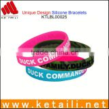 China OEM Customized Silicone Bracelets Cheapest Silicone Bracelet Printed Logo embossed debossed silver bracelet
