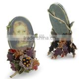 New design resin photo picture frame with emboss flower by hand-painted for sale