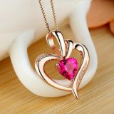 Delicate zircon heart pendant professional custom jewelry DIY fashion and personality decorations
