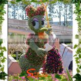 Artificial grass flower topiary park decoration boxwood ball ornaments artificial Donald Duck topiary