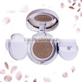 2016 makeup looking natural liquid foundation air cushion with a puff
