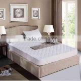 Bulk White Polyester Anti-slip Quilted Soft Hotel Mattress Pad