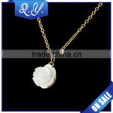Chunky Necklace Costume Jewelry White Flower Design Big Necklace for Women