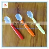 Safe food grade comfortable colorful flexible silicone Baby spoon, soft transparent unbreakale silicone baby feeding spoon