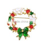 Christmas party theme eco-friendly zinc alloy material gold plated enamel christmas wreath brooches pin jewelry
