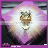 New desgin Corsage brooch with artificial snow warm wool flower wholesale.rhinestone brooch