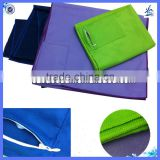 Quick-dry microfiber suede custom mesh bag with suede microfiber sport outdoor beach towel sewing a zipper pocket