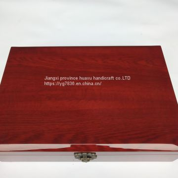 Light tea wooden box packing