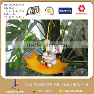 Outdoor Garden Child Figure Statue Ornament Ceramic Figure and Iron Umbrella Metal Bird Feeder