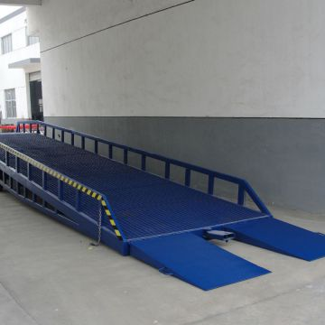 Loading Dock Ramps Customized 1.8m Portable Forklift