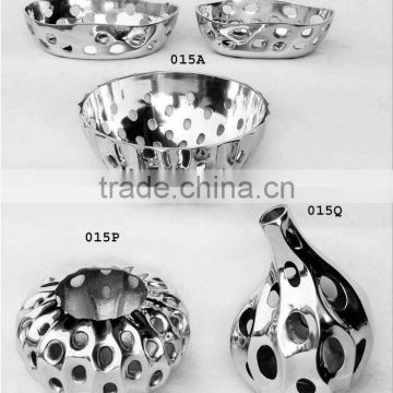 Metal Bowls,Bowls,Aluminum Bowls,Serving Bowls,Serving Trays,Platters,Designer Platters,Food Bowls,Table Wares