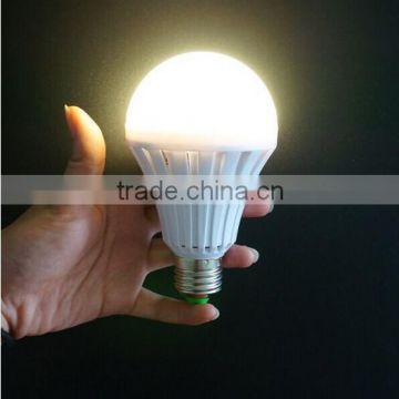 220v AC 7W energy-efficient LED Rechargeable Bayonet Light Bulb Warm White