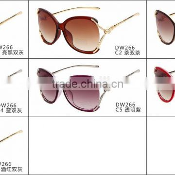 2015 lastest high quality fashion cool design shopping women brand skateboard sunglasses with diamond