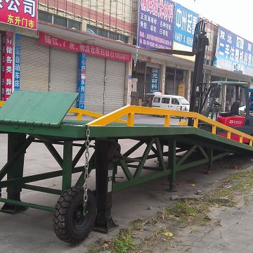 Aluminum Ramps Green Yellow Vertical Dock Leveler