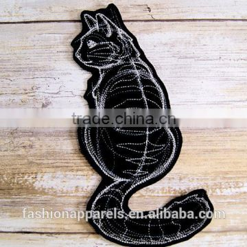 Custom high quality embroidered Cat demon, fox demonpatch for clothes embroidery patch made in china choose size/color