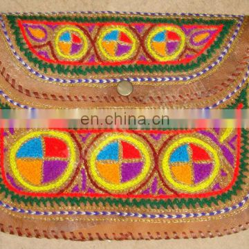 EMBROIDERY LEATHER CLUTCH BAG