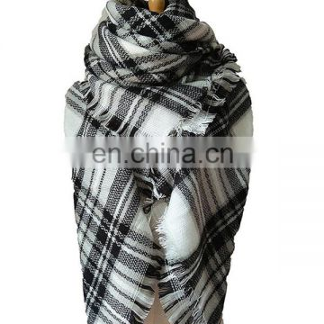 Cashmere feeling Soft scarf with Oblong Plaid Pattern Scarf