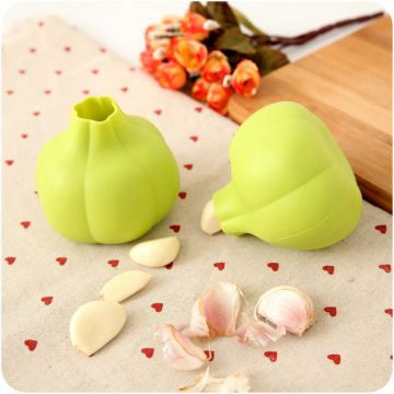 Free Sample Food Grade Nontoxic Silicone Kitchen Accessories Garlic Stripper