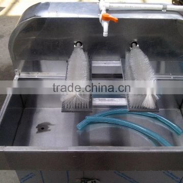 Manual Type Glass Bottle Brushing and Cleaning Machine XP-4