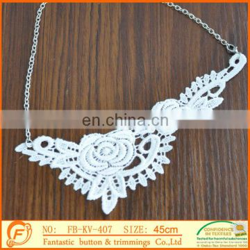 2017 fashion fantastic lace material necklace trimmings for girl
