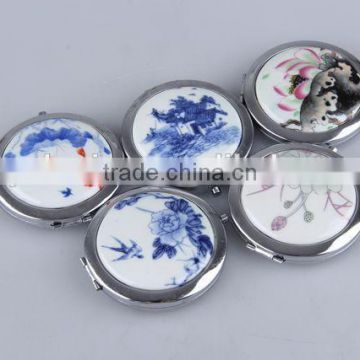 The ceramic surface round flip mirror