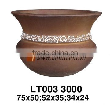 Vietnam Curved High Quality Dark High Fired Planter For Wholesalers