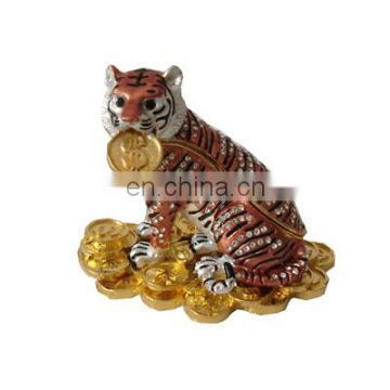 2016 new tiger with coin golden metal craft for home decoration gifts jewelry box
