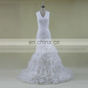 Classical beauty mermaid V-neck hollow - out wedding dress with a rose rulffle ORG train