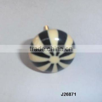 Bone and horn knob available in other colour and patterns