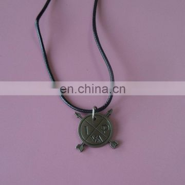 antique personalized OEM logo design metal necklace for souvenir