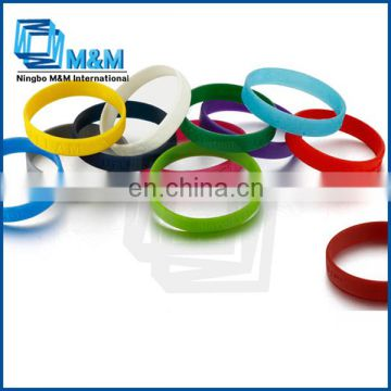 Hot Fashion Promotional Customized Silicone Rubber Bracelet