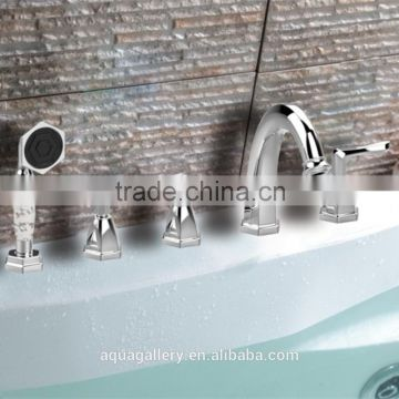 Traditional Series Deck-Mounted Bath Tub Faucet with Handle Shower